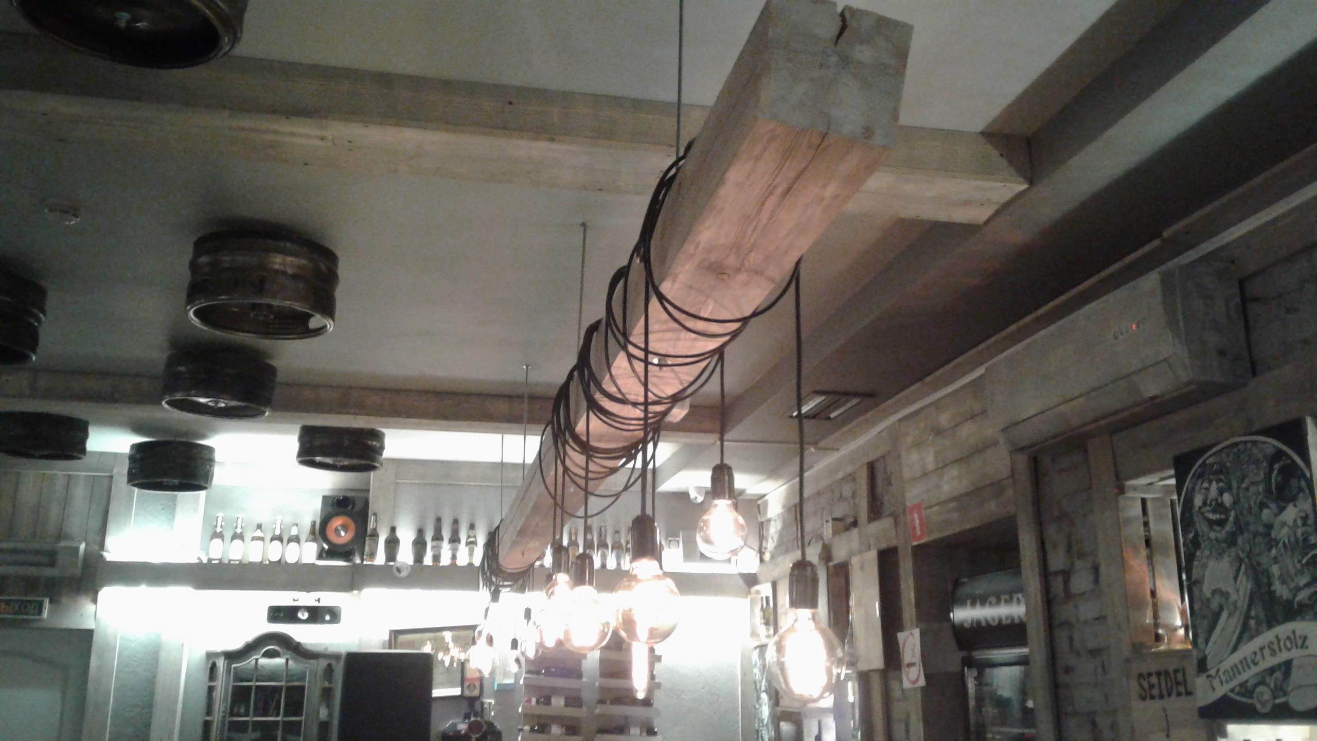 Срочный вызов электрика в ресторан по поводу искрения проводки