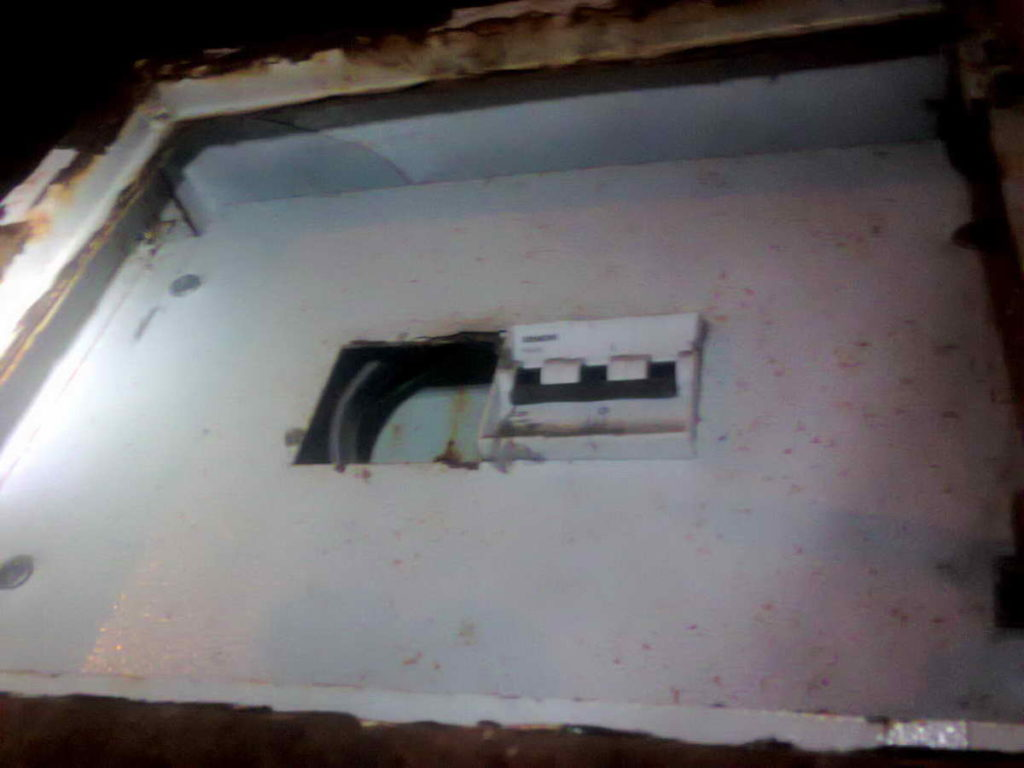 Срочный вызов электриков аварийной службы из-за отключения электроснабжения частного коттеджа